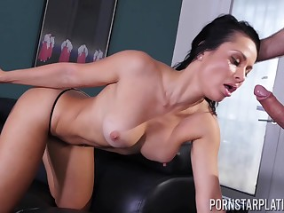 Crystal Rush gives a great blowjob and gets fucked missionary wind