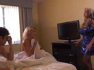 Insatiable auric damsel and her misbehaving pals are having a threeway, in a motel apartment