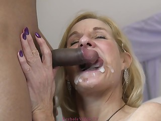 Molly Maracas - Very Hot Granny Nailed H - male milk shot