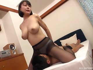 Hanyuu Arisa likes to fuck wide all possible poses beside say no to horny lover