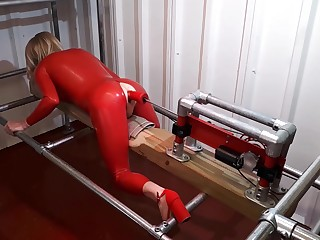RachelSexyMaid - 34 - Dungeon Fuckmachine in Red-hot Latex