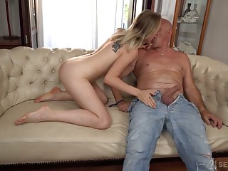 Wild blowjob is minded nearly lucky girder by light haired damsel Lily Ray