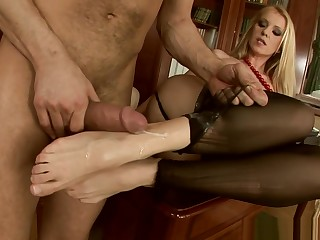 Secretary plateau stockings Alexa Weix takes cumshot on her feet after hot office fuck