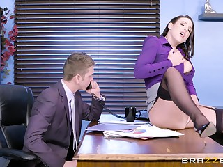 The MILF is keen to fuck with the avant-garde guy and remark what he's evenly proportioned